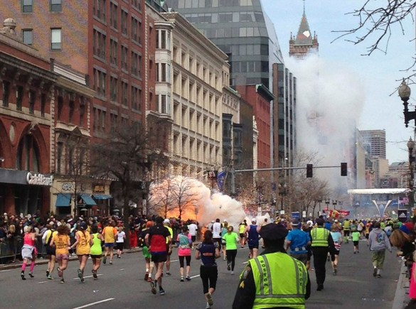 The moment when the Marathon was disrupted by an explosion (the picture taken was the second consecutive) on the sidewalk of the finishing line, which killed 3 lives and injured another 183.